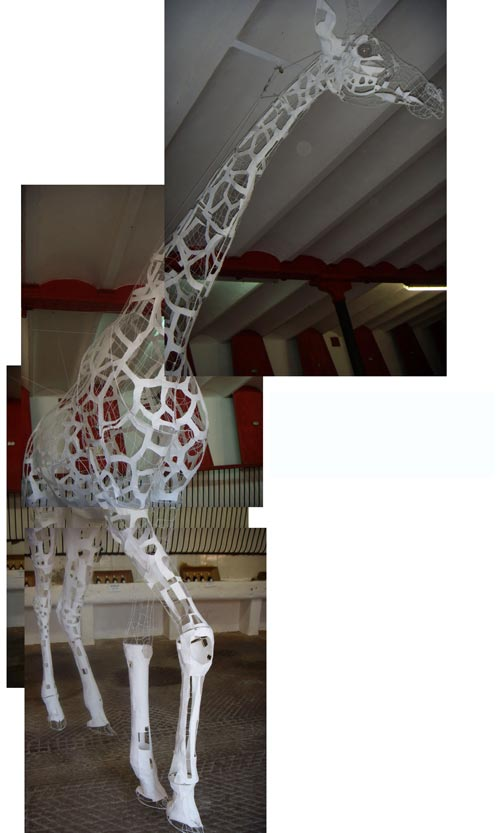 Sculpture filaire - wire art - girafe dans ses stales